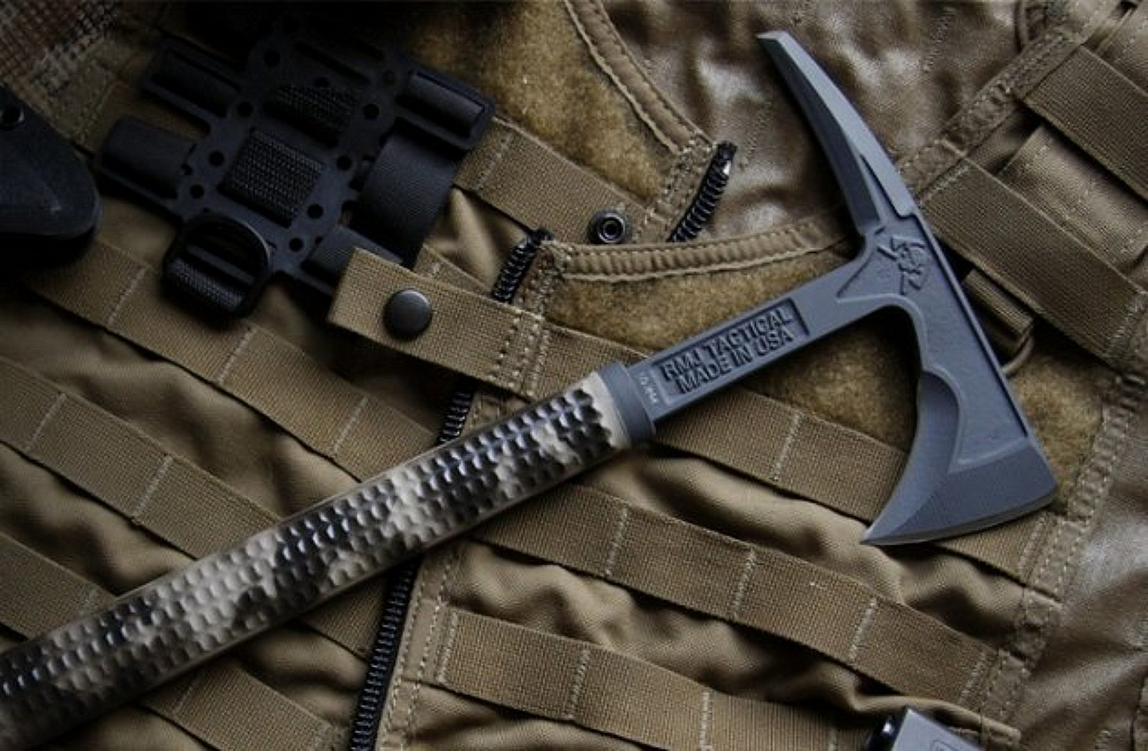 Best Tomahawks of 2020 for Breaching, Throwing, Bushcrafting or Woodworking