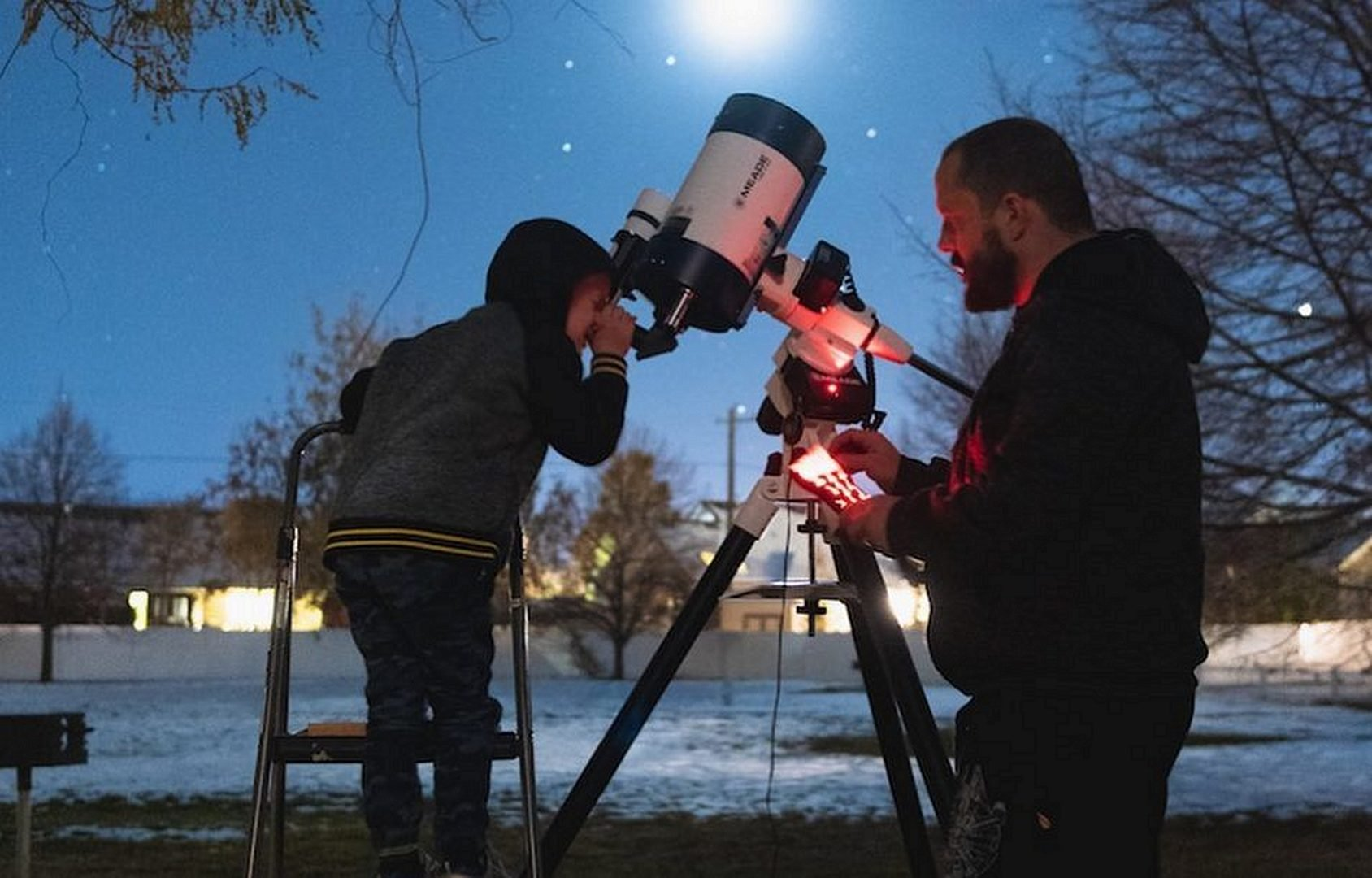 Father and Son Stargazing Best Binoculars for Stargazing: Observe the Nightsky when Camping
