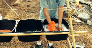 How to Clean Camping Cookware