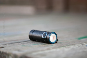 How to Use a Flashlight in a Tactical Situation