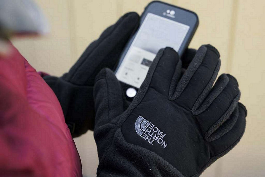 The NorthFace Touchscreen Compatibility Gloves