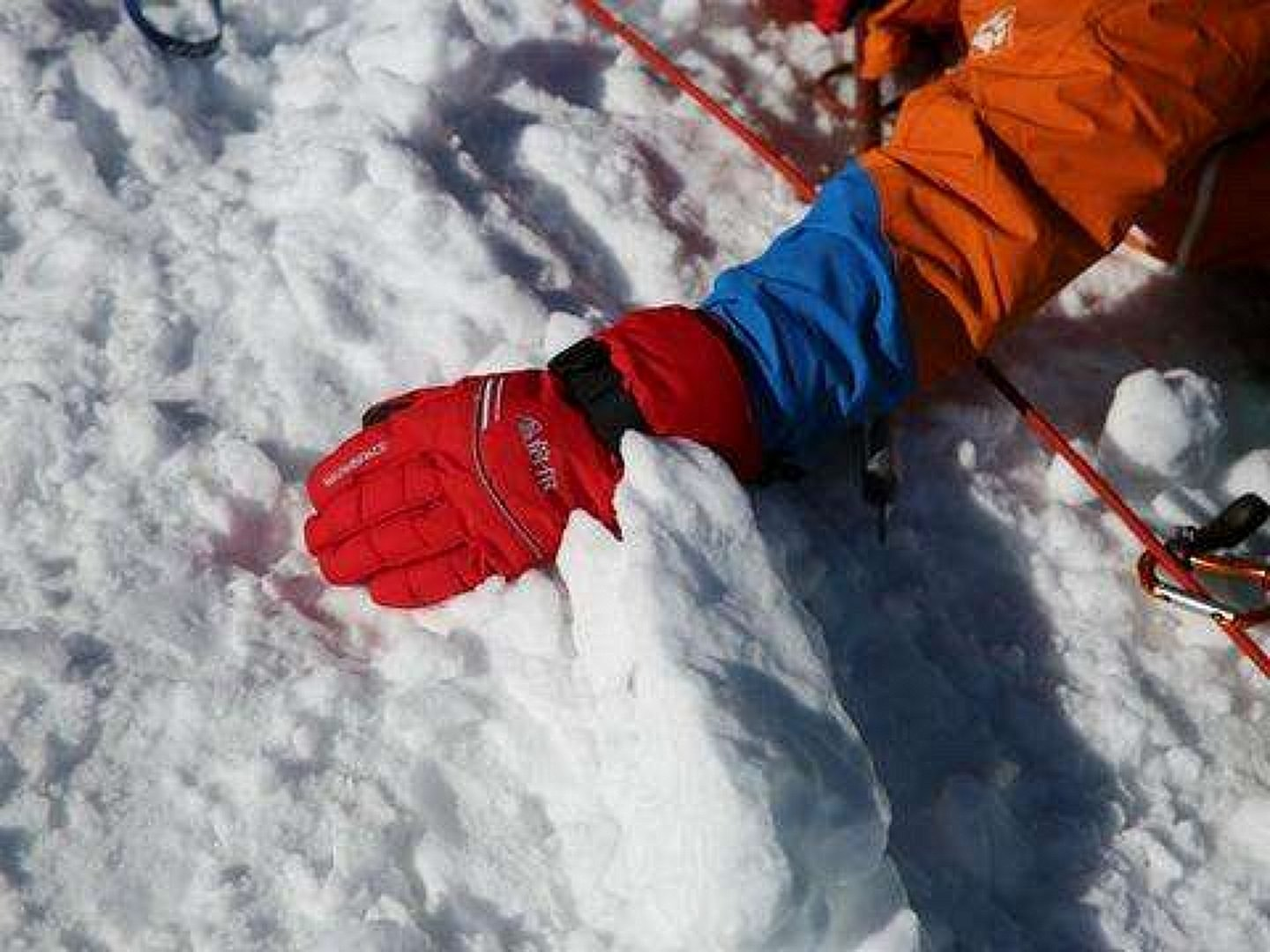 electric gloves in the snow